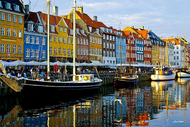 640px-Nyhavn_copenhagen.jpg